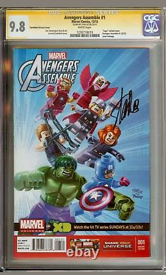 Marvel Avengers assemble #1 Varian edition Lego signed Stan Lee 9.8 CGC 2014
